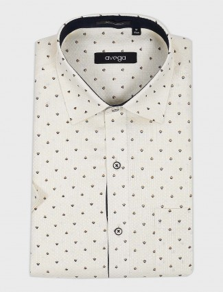 Avega cream printed pattern shirt