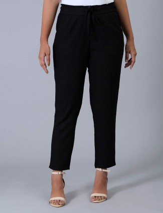 Black solid linen casual pyjama