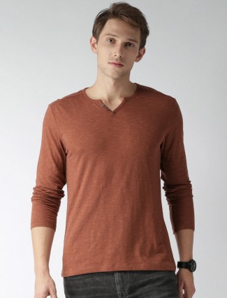 Celio brown cotton solid t-shirt