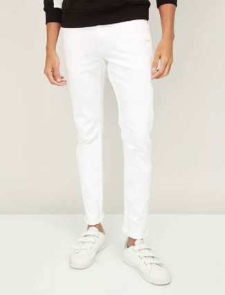 Celio solid white denim jeans