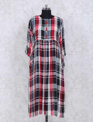 Checks pattern white kurti