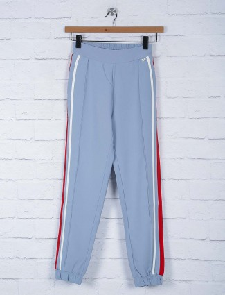 Comfortable sky blue hued jeggings
