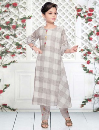 Cream cotton checks casual pant suit