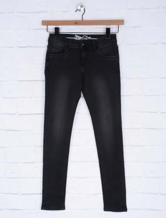 Deal black color washed denim jeans for women