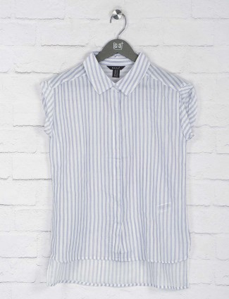 Deal blue hue cotton top in stripe pattern
