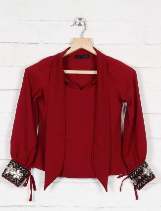 Deal maroon color pretty top for girl
