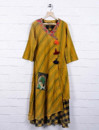 Deal mustard yellow cotton festive top