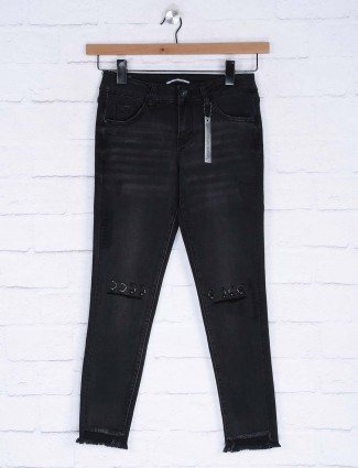 Deal present black color whiskered denim casual jeans