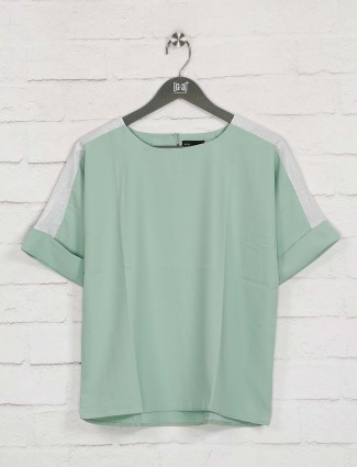 Deal presented green cotton solid top