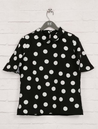 Deal presented printed black top