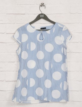 Deal printed blue cotton top in casual