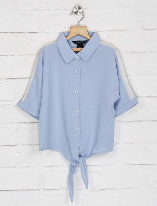Deal solid blue cotton top