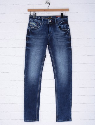 Gesture presented regular wear blue jeans