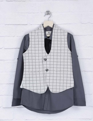Grey and cream hue terry rayon waistcoat shirt