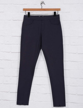Grey hue colored casual jeggings