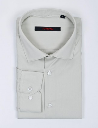 I Party pista green hue solid cotton shirt