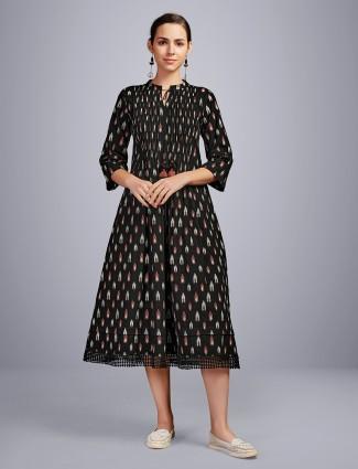 Latest black cotton kurti for festive look