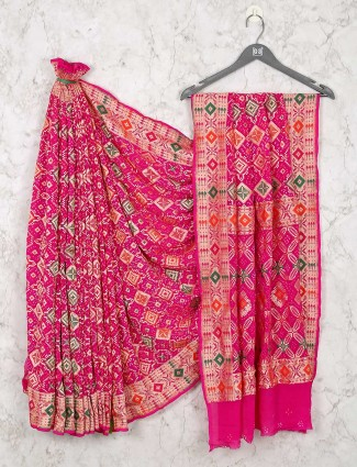 Magenta bandhej saree design for wedding