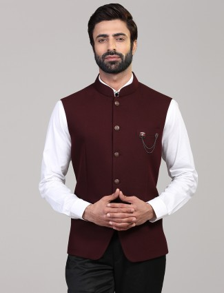 Maroon knitted solid party wear waistcoat