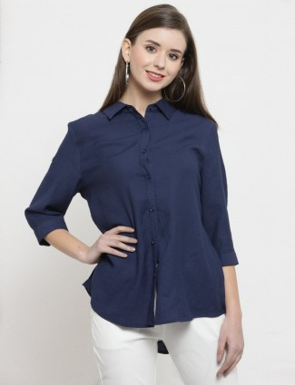 Navy blue cotton shirt for casual look