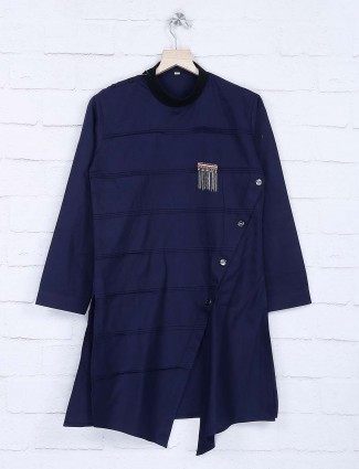 Navy hue pleats pattern solid kurta suit