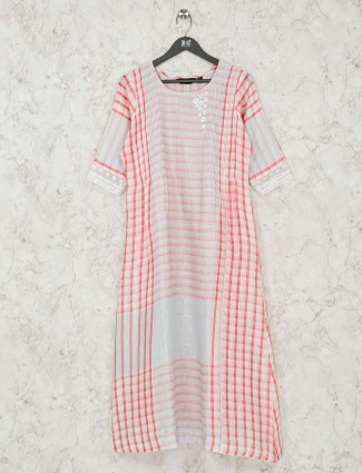 Off white checks long round neck kurti