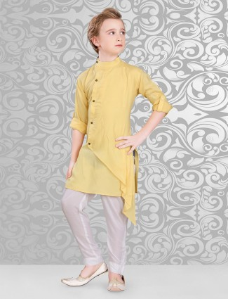 Plain kurta suit in yellow cotton fabric
