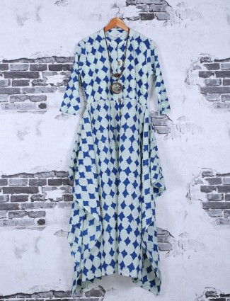 Printed casual wear cotton kurti in blue color