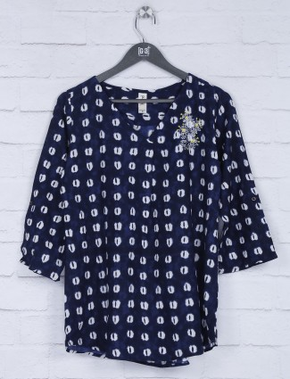 Printed navy v neck beautiful top
