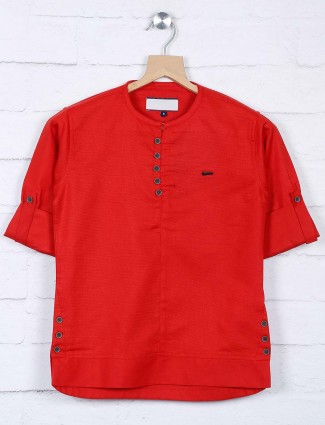 Red hue solid henley neck shirt