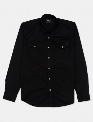 River Blue solid black slim collar shirt