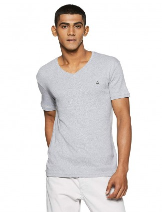 UCB simple grey slim fit solid t-shirt