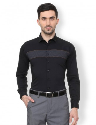 V. DOT solid black cotton shirt