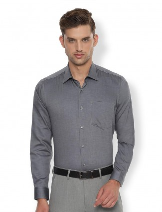 Van Heusen grey solid cotton shirt