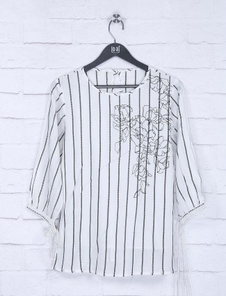 White hue stripe pattern casual top