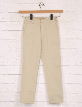 Zillian beige solid cotton slim fit trouser