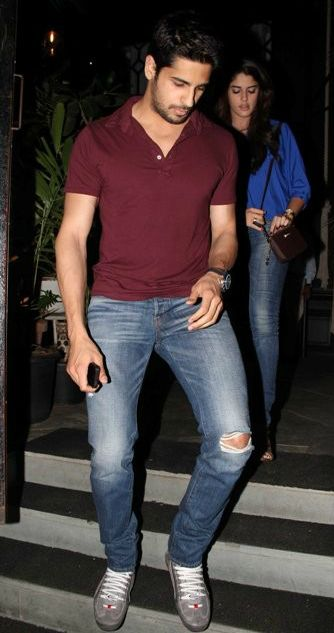 70a77dc8ae38 ripped jeans, sidharth malhotra in jeans
