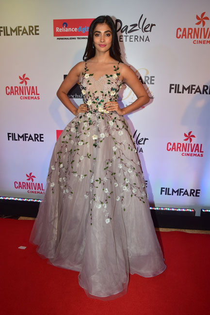 Bollywood Style - 25 Best Red-Carpet Gowns at Awards 2017 — G3+ Fashion