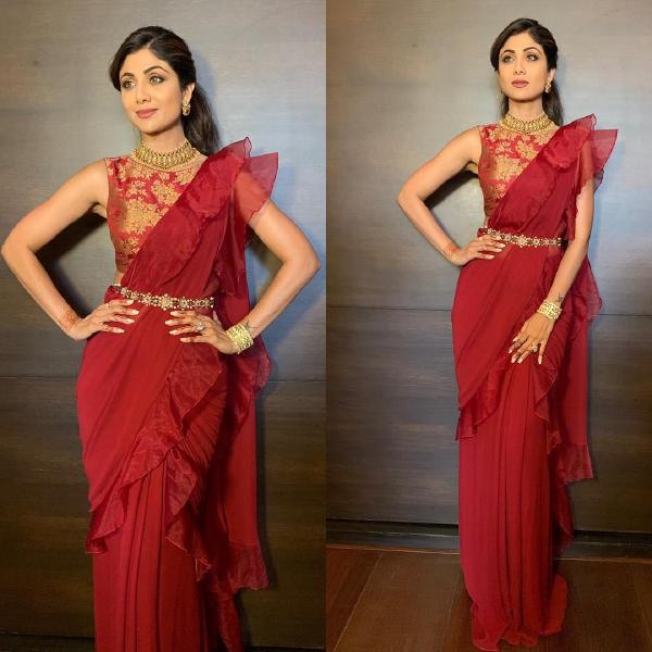 10 Shilpa Shetty Saree Style Inspiration You Can Try Shilpa shetty was looking damn gorgeous in printed designer pink transparent saree paired with sleeveless and backless black blouse. 10 shilpa shetty saree style
