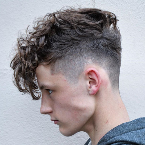 messy textured hairstyle,men's hairstyle,latest style