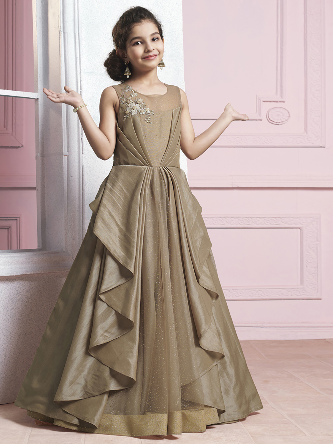 Girls Gowns - Buy Wedding Gown, Party wear Gowns online at best prices