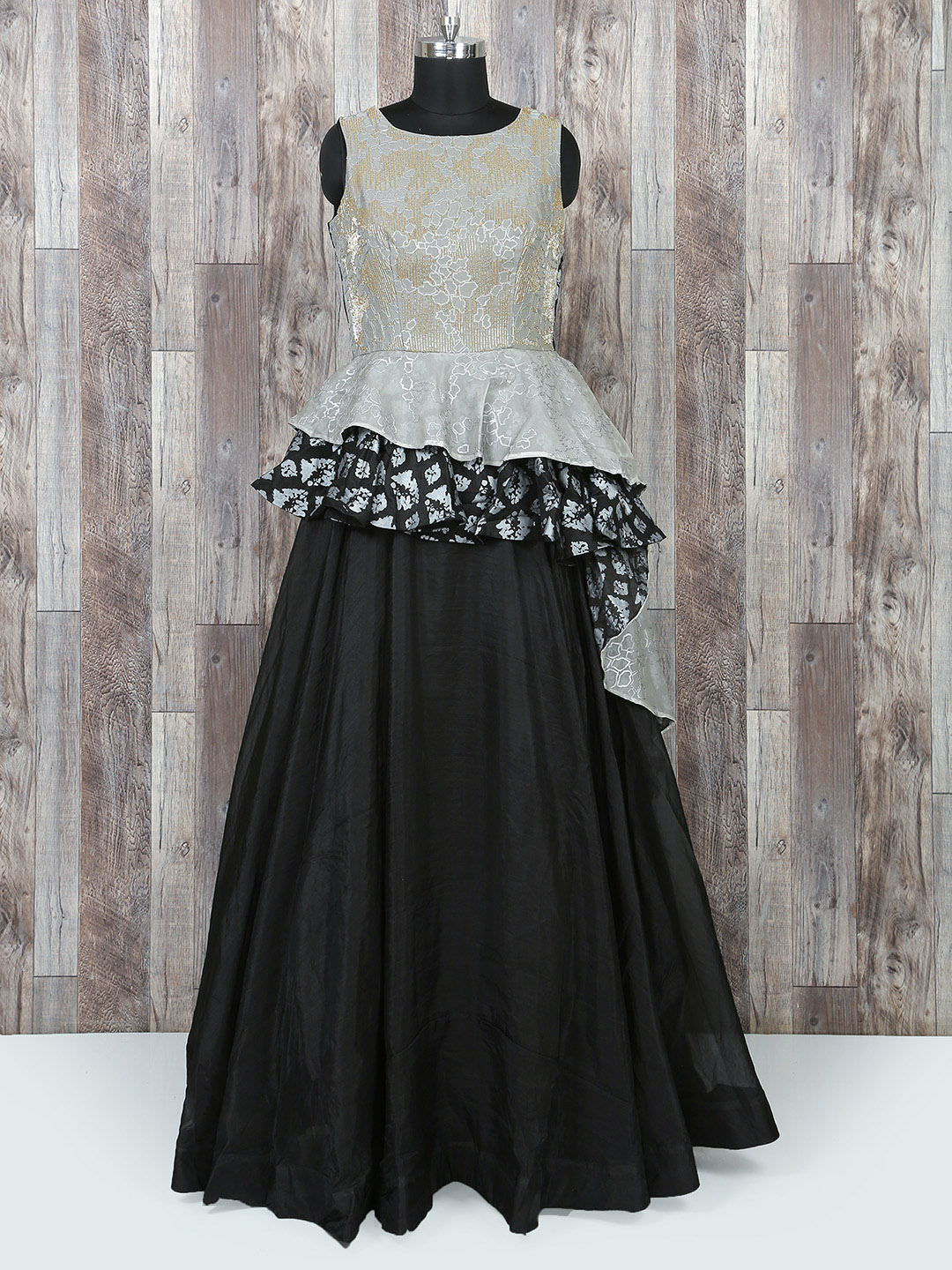 cd10e32564 Buy Traditional   Wedding   Party Wear Indian Gowns Online