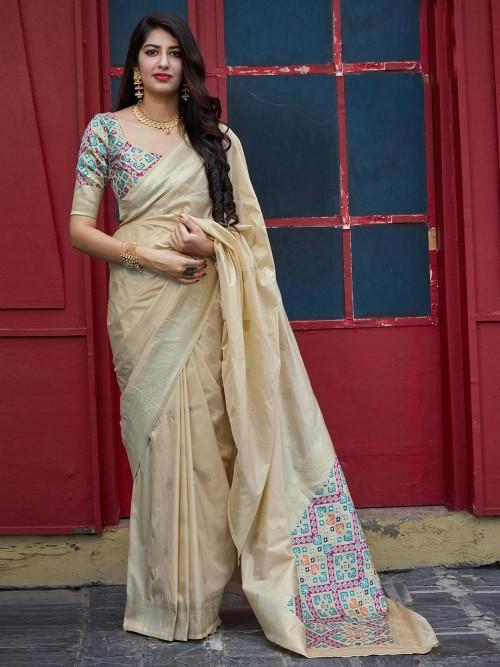 Beige Thread Zari Weaving Banarasi Silk Saree