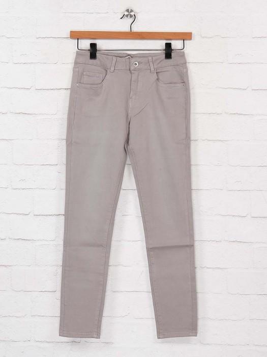 Deal Denim Jeans In Grey Color