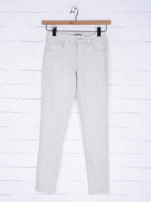 Deal Plain White Color Stretchable Denim Jeans