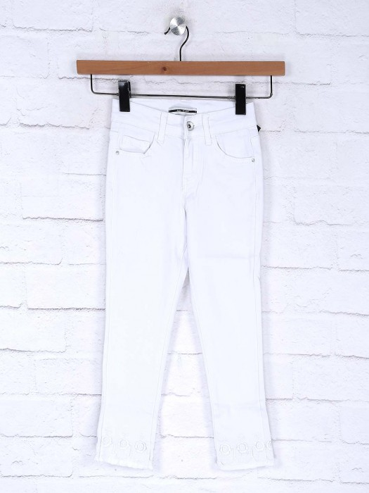 Deal White Color Denim Casual Slim Fit Jeans