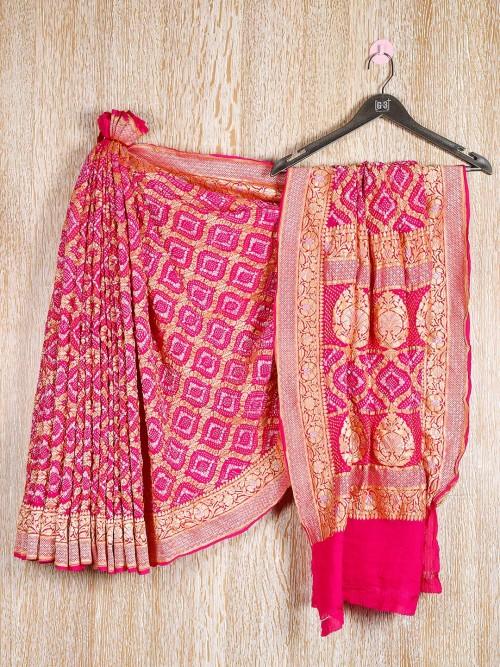 Haute Pink Bandhani Saree For Wedding Look