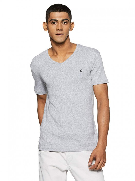 UCB Simple Grey Slim Fit Solid T-shirt