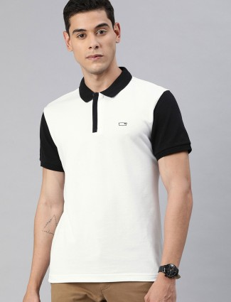 `Levis solid white half sleeve t-shirt