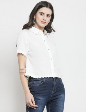 White casual top in cotton